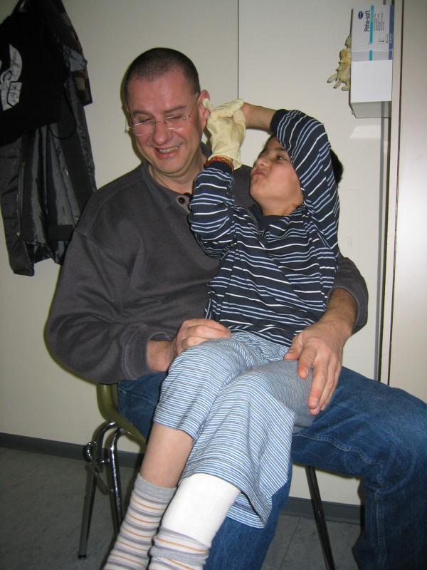 opa-und-wakil-krankenhaus_20050122_046-1.jpg