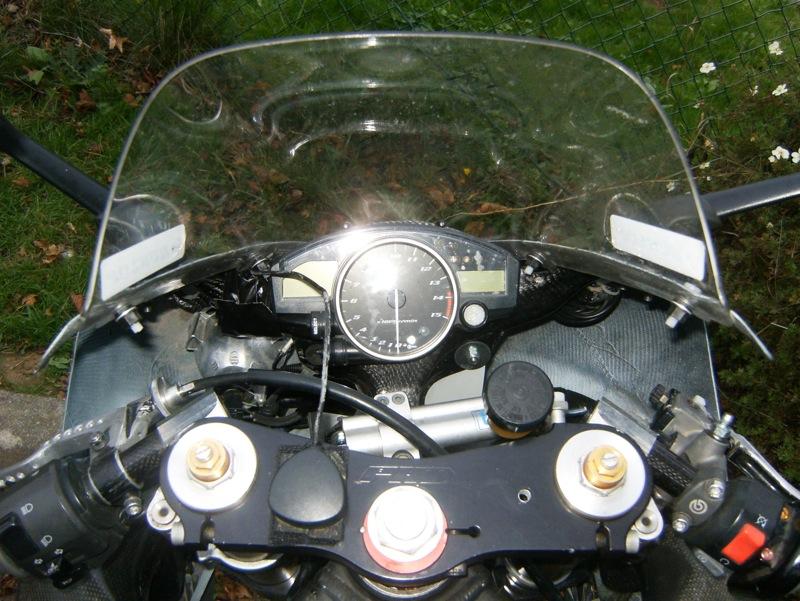 r1-cockpit.jpg