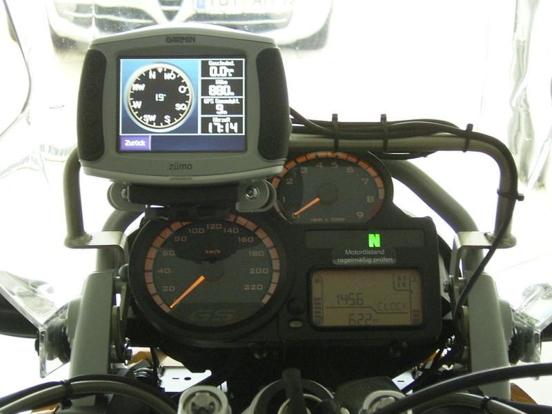 r1100gs_cockpit.jpg