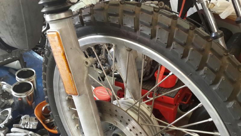 r80-front-wheel-bracket.jpg