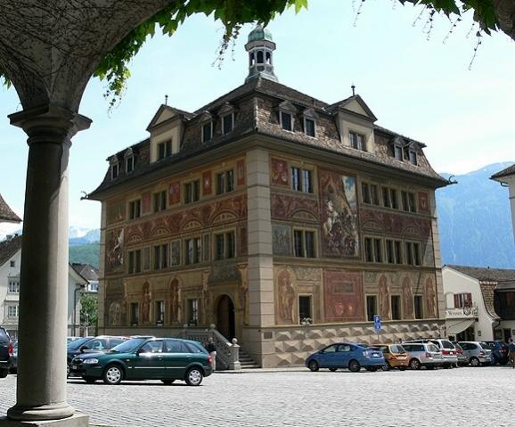 rathaus-dem-ort-schwyz.jpg