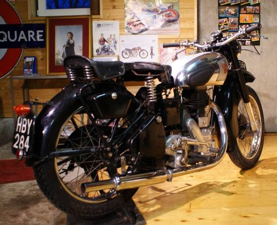 royal_enfield_350_cc_1949_03.jpg