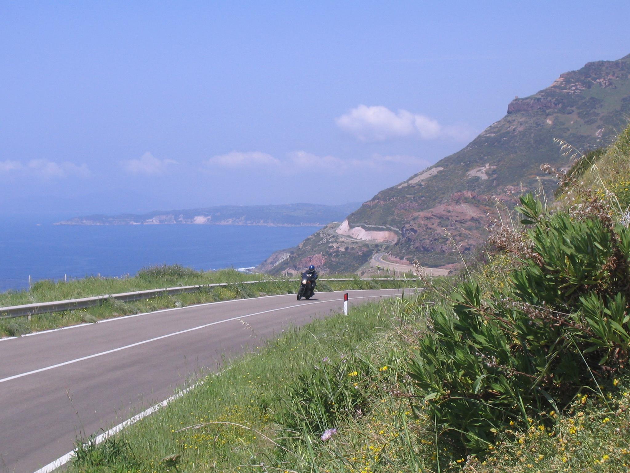 Klicke auf die Grafik für eine größere Ansicht  Name:Sard-Motorrad ´06 Küstenstr.Helmuth.jpg Hits:677 Größe:1,50 MB ID:147295