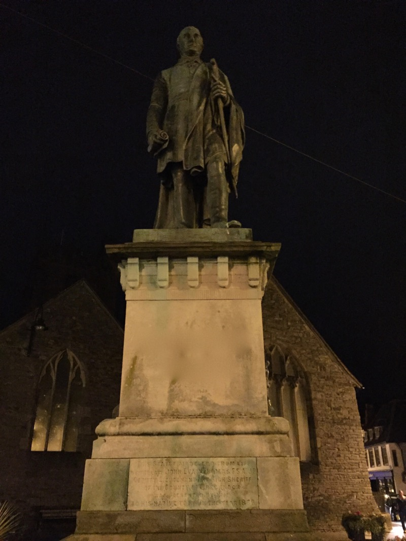 statue-1.jpg