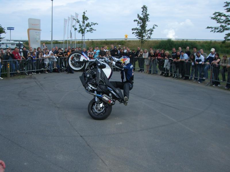 stuntshow-chris-pfeiffer-11-07-2009-helming-019-gs.jpg