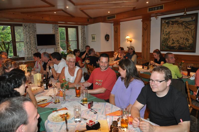 tafelrunde-reichardsroth-2012-034.jpg