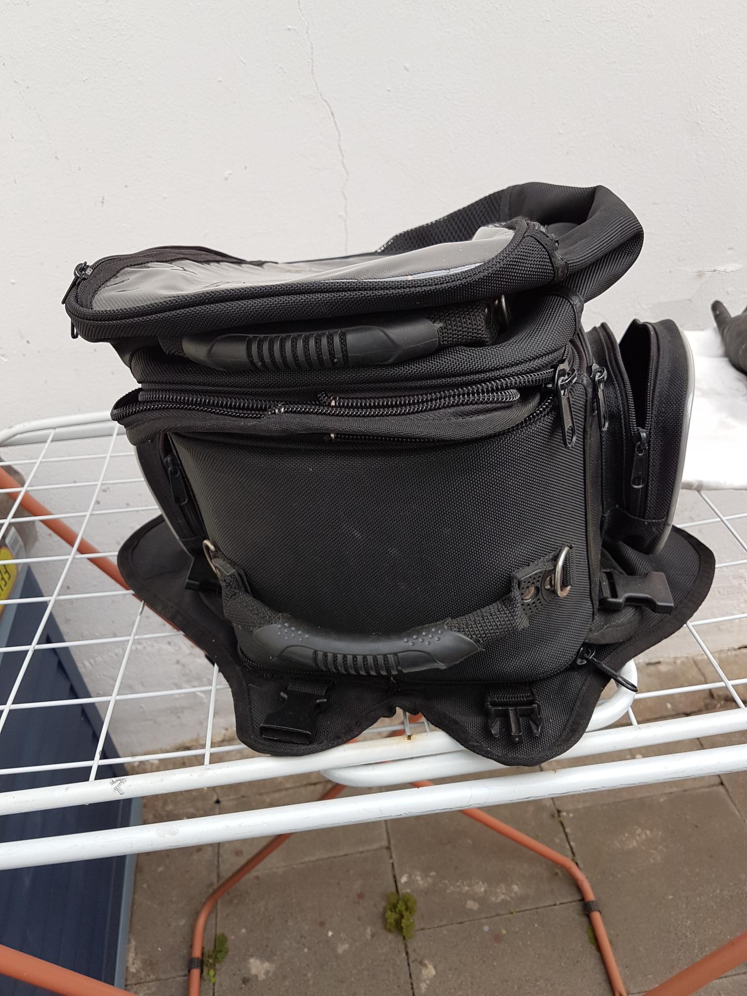 tankrucksack-front-klein.png