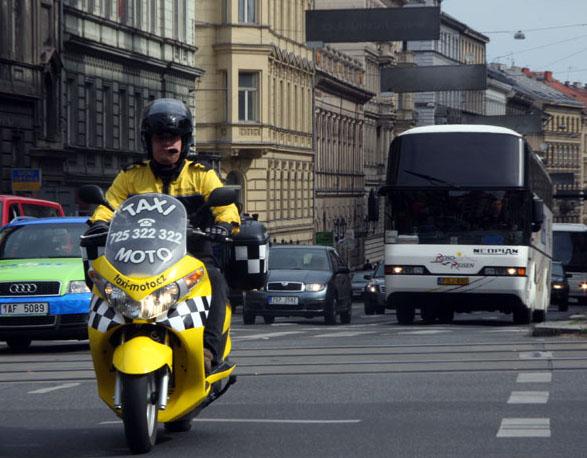 taximoto12.jpg