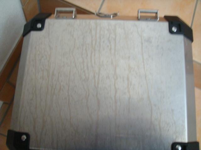 korrosion auf den alu koffern seite 2. Black Bedroom Furniture Sets. Home Design Ideas