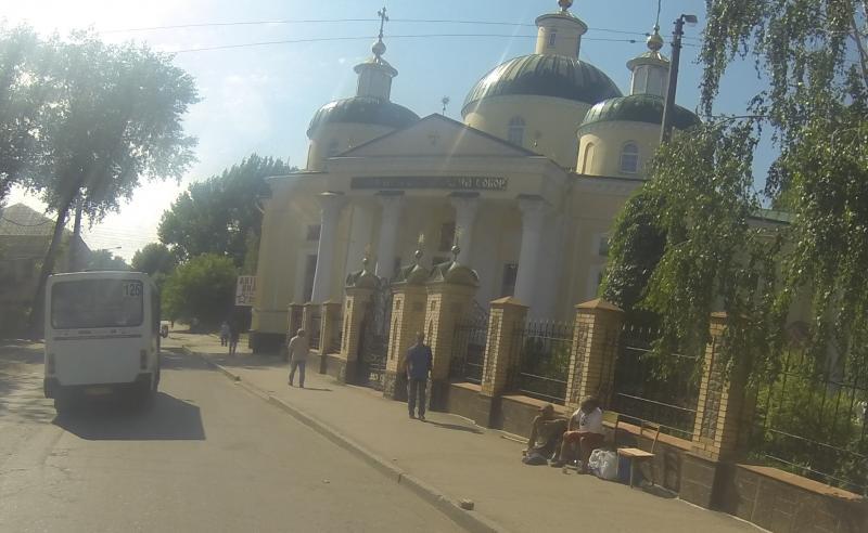 Klicke auf die Grafik f�r eine gr��ere Ansicht  Name:UkraineGotteshaus2.jpg Hits:410 Gr��e:54,7 KB ID:102614