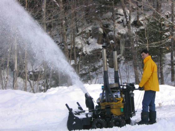 v8-snowblower.jpg
