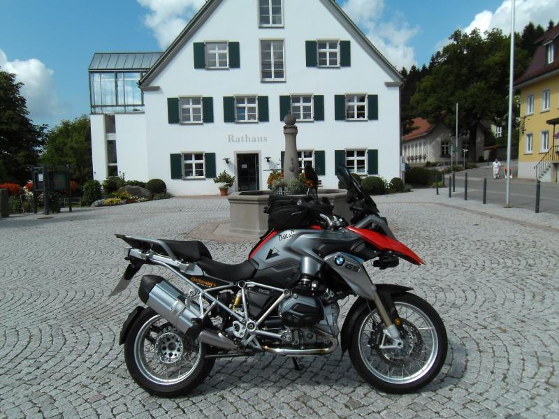 waldburg-zeil-r1200gs-lc-009.jpg