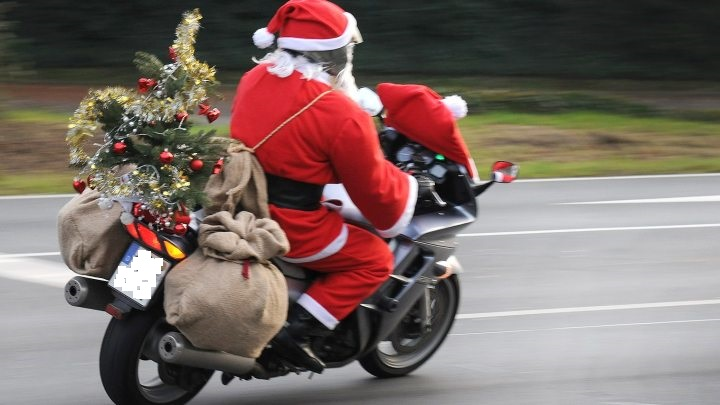 weihnachtsmann-moped.jpg